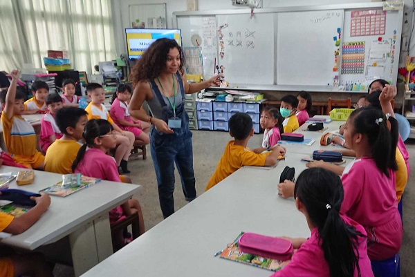 Student teaching in Taipei